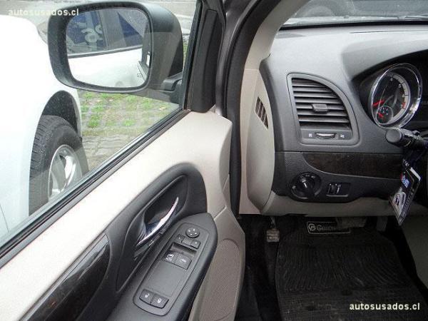 Dodge Caravan GRAND CARAVAN año 2013
