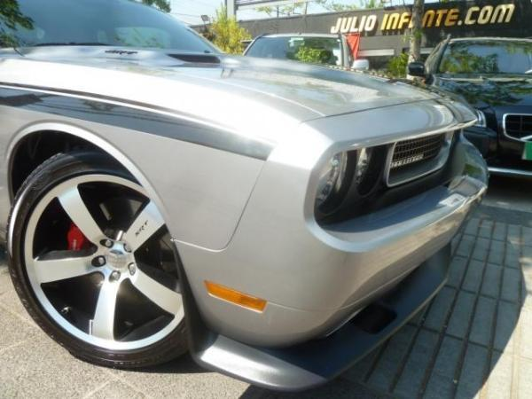 Dodge Challenger SRT8 6.4 475 hp. año 2014