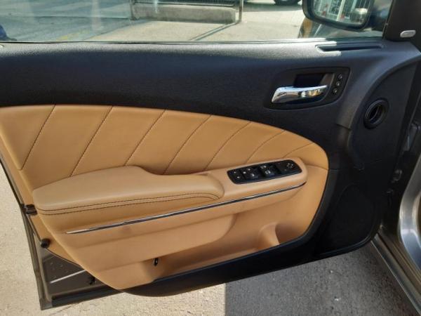 Dodge Charger R/T 5.7 HEMI año 2012