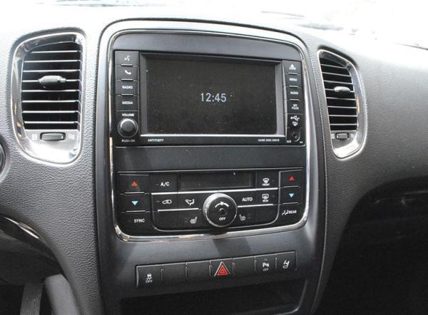 Dodge Durango LUX 4X4 AC año 2014