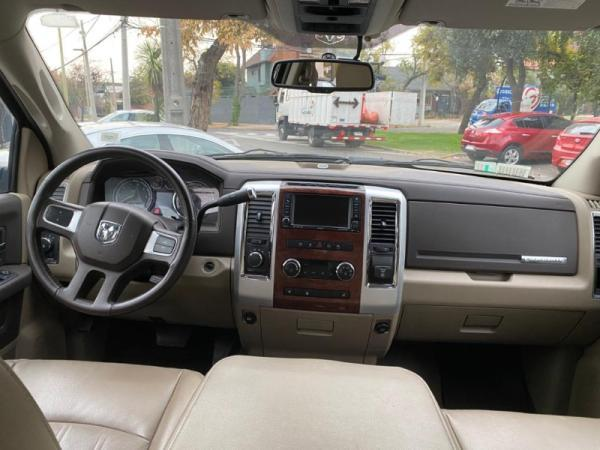 Dodge Ram HEMY 5.7 AT 4X4 año 2011