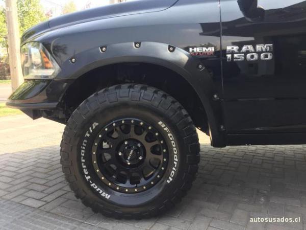 Dodge Ram ram 1500 rc 5.7 año 2013