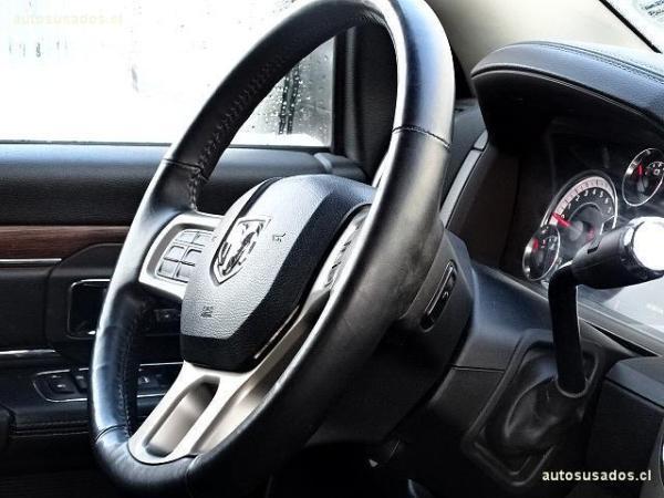 Dodge Ram 5.7 año 2013