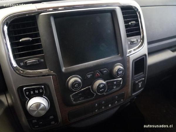 Dodge Ram crew cab laramie 4x4 5.7 año 2014