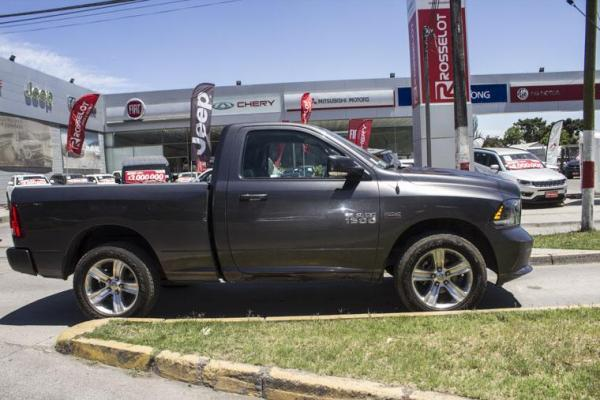 Dodge Ram NEW RAM 1500 REG CAB SPOR año 2015