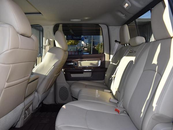 Dodge Ram CREW CAB LARAMIE 4X4 5.7L año 2016