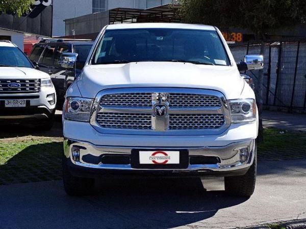 Dodge Ram LARAMIE 4X4 BOX año 2017