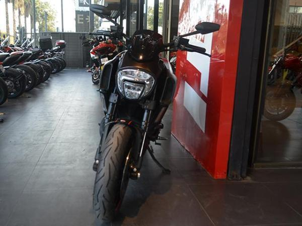 Ducati Diavel Dark año 2015