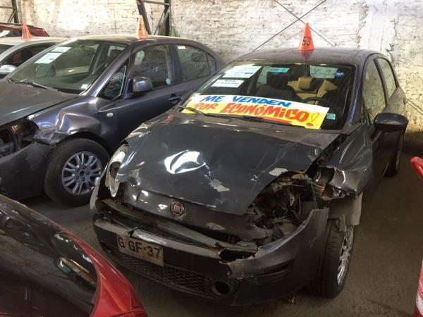 Fiat Punto CHOCADA año 2014