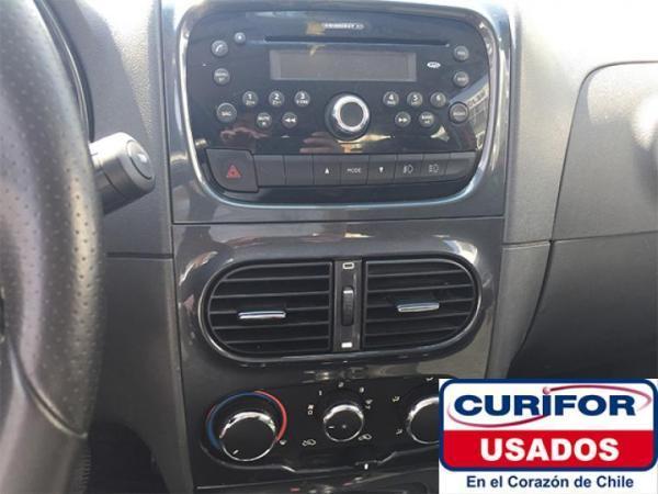 Fiat Strada ADVENTURE DCAB 1.6 año 2015