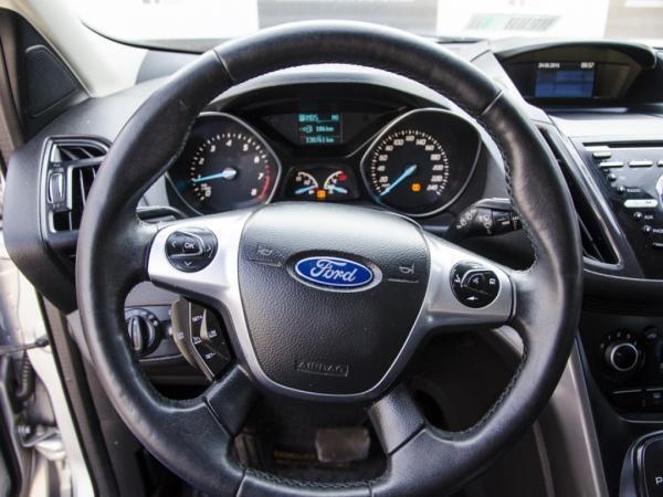 Ford Escape . año 2016