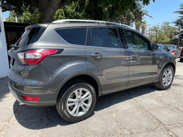 Ford Escape ECOBOOST 2.0 TURBO SE año 2020