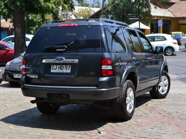 Ford Explorer XLT año 2010
