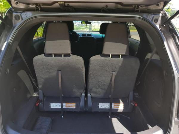 Ford Explorer XLT 4x2 año 2011
