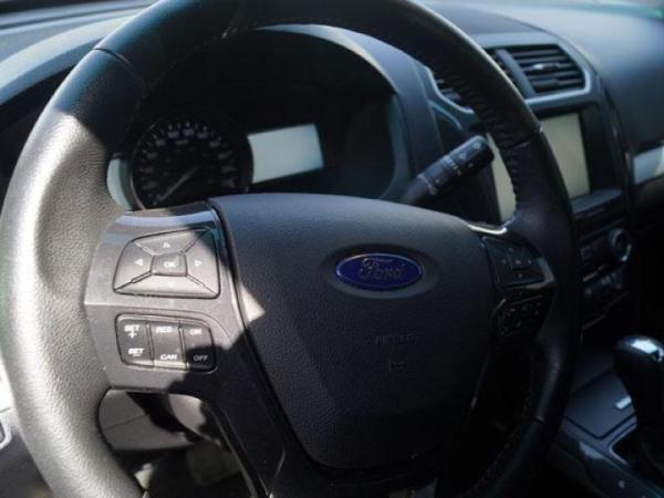 Ford Explorer XLT 4X2 año 2017