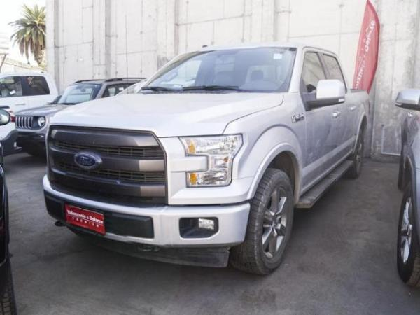 Ford F-150 LARIAT 4X4 5.0 AT año 2017