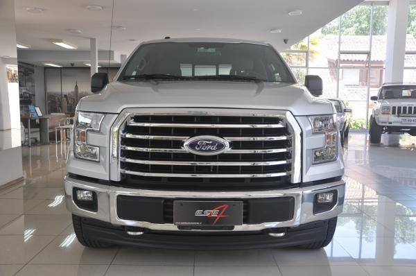 Ford F-150 XLT 4WD Double Cab año 2017