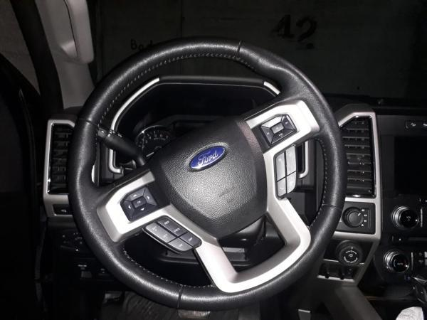 Ford F-150 Lariat Luxury 4WD año 2018