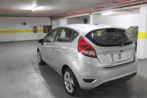 Ford Fiesta TITANIUM año 2013