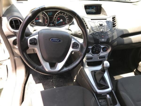 Ford Fiesta SE 1.6 hatshback año 2014