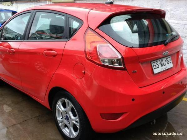 Ford Fiesta SE 1.6 MT HATCHBACK año 2014