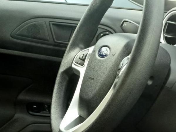 Ford Fiesta LX año 2017