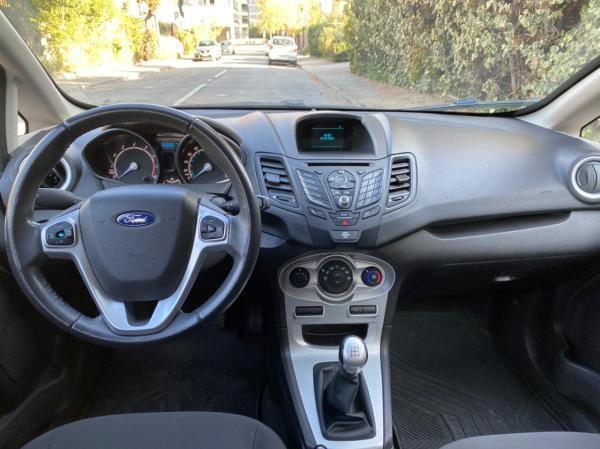 Ford Fiesta hb año 2017