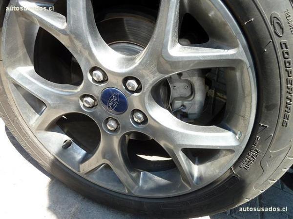 Ford Focus GHIA HB 2.0 año 2015