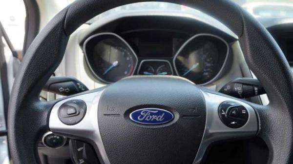 Ford Focus SE 2.4 año 2015