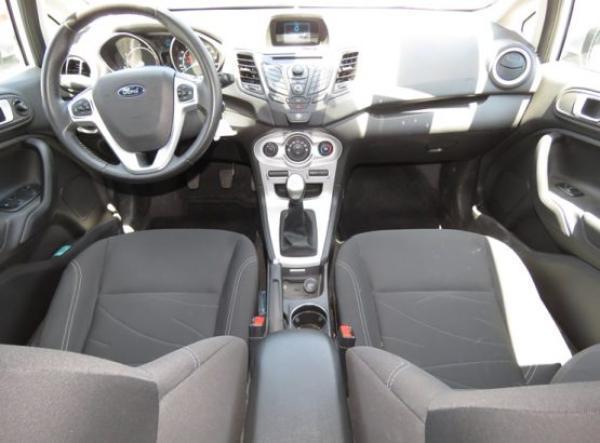 Ford Ford FIESTA SE año 2014