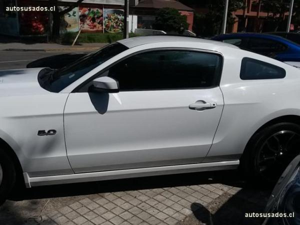 Ford Mustang GT 5.0L año 2014