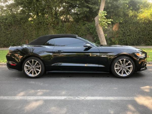 Ford Mustang GT año 2017