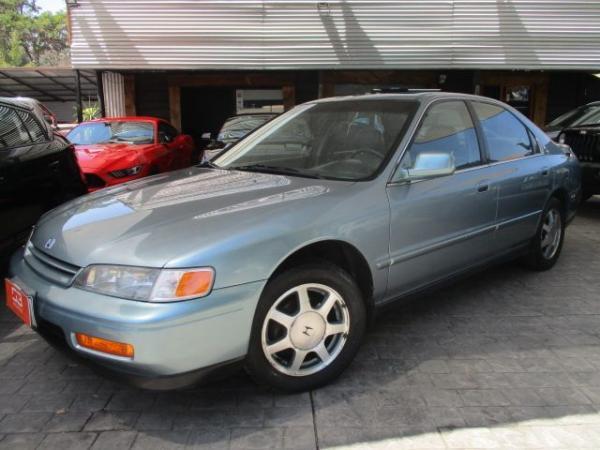 Honda Accord 160 HP año 1995
