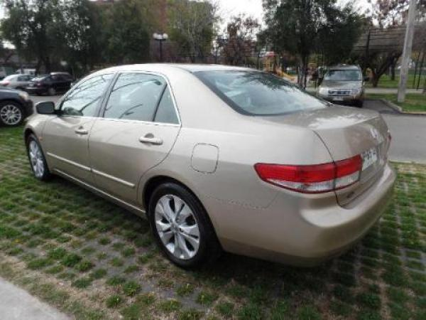 Honda Accord  año 2004