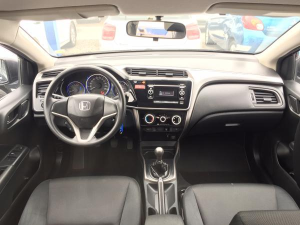 Honda City LX 1.5 año 2015