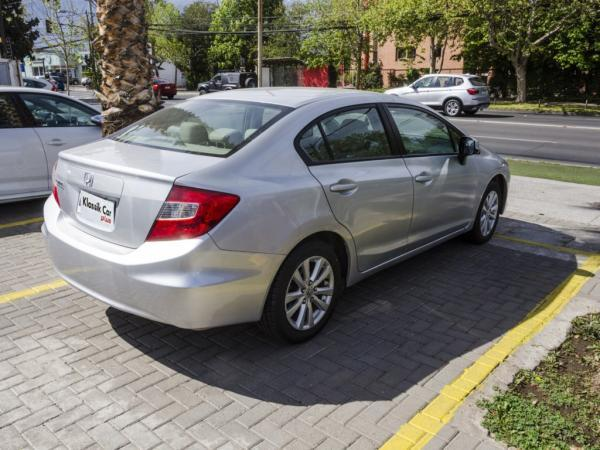Honda Civic LX 1.8 MT año 2013