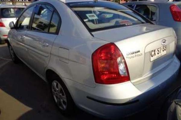 Hyundai Accent 1.4 año 2011