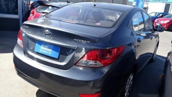 Hyundai Accent RB año 2011