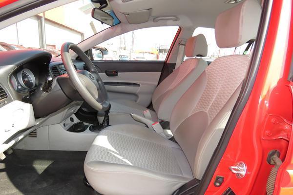 Hyundai Accent GL año 2011