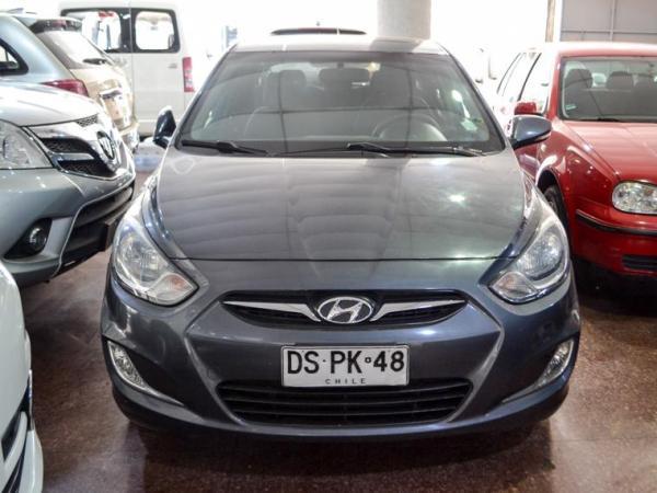 Hyundai Accent MT año 2012
