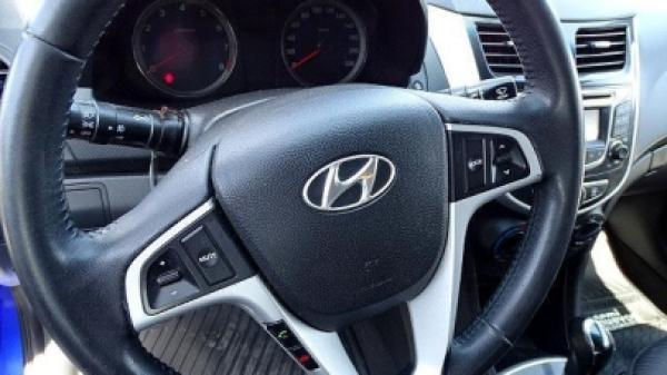 Hyundai Accent 1.6 año 2012