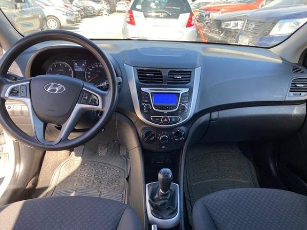 Hyundai Accent 1.4 GLS AC 2AB ABS año 2013