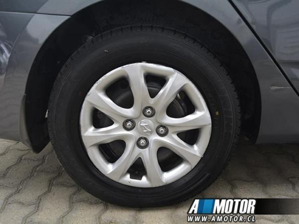 Hyundai Accent rb año 2013