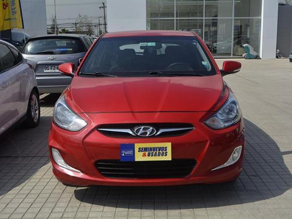 Hyundai Accent ACCENT RB GLS 1.4 año 2013