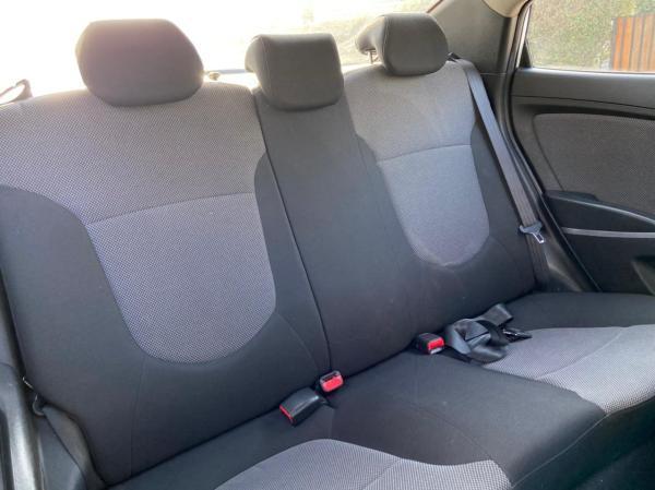 Hyundai Accent AT año 2014