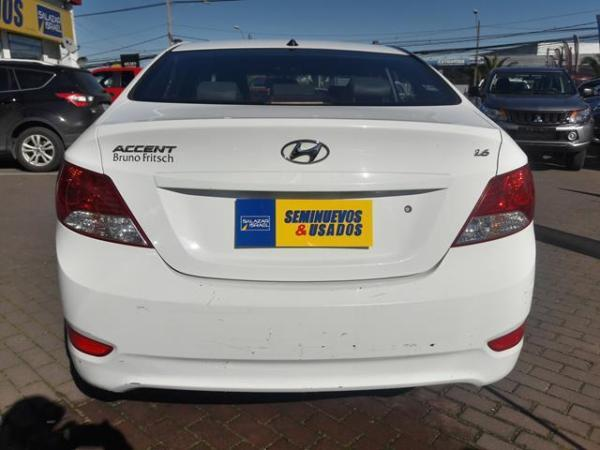 Hyundai Accent Accent Rb Gl 1.6 At año 2014