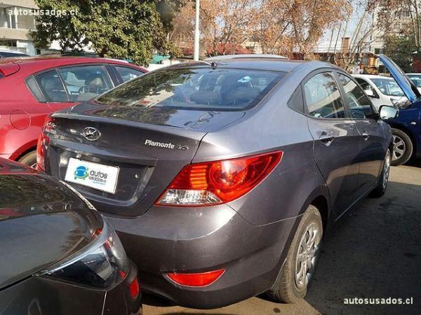 Hyundai Accent 1.6 año 2014