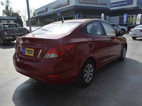 Hyundai Accent Accent Gl 1.4 año 2014