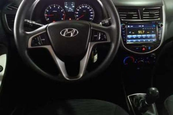 Hyundai Accent RB 1.4 GL AC 6MT año 2016
