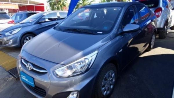 Hyundai Accent RB GL año 2017